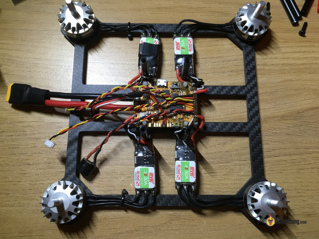 BeeFlight-FC-newbeedrone-build-quadro200-wires