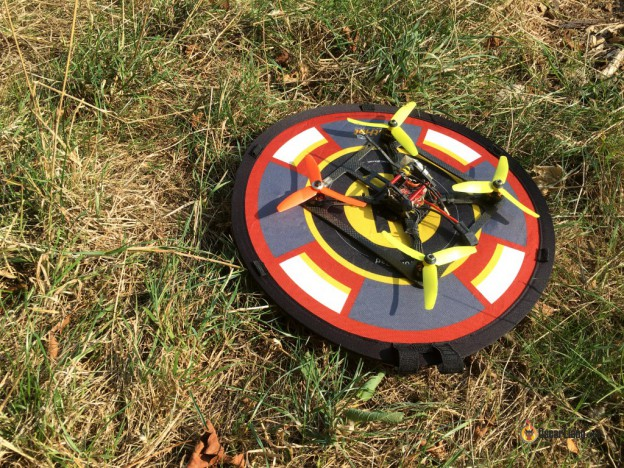 Flathat-Collapsible-Drone-LandingTake-off-Pad-mini-quad