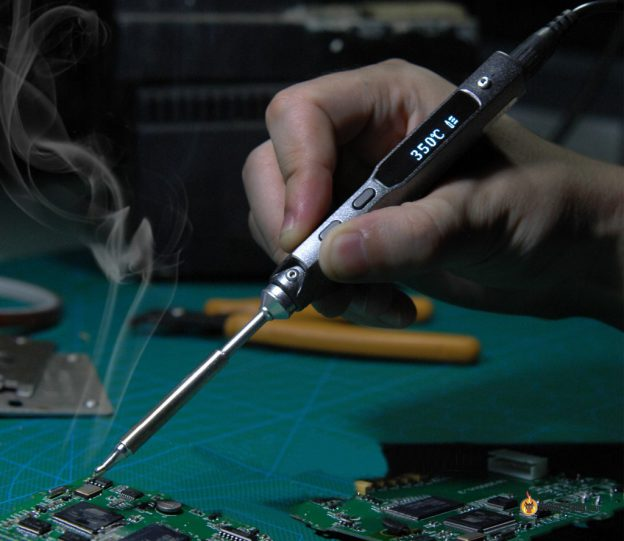 ts100-soldering-iron-feature