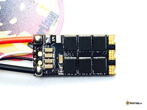 dys-aria-bls35a-blheli_32-esc-bottom-close-up